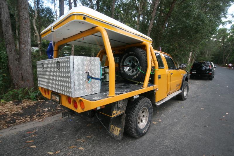 & Crew Cav Ausbox Canopy James Baroud Offroad Tent